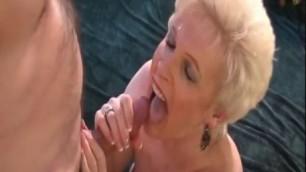 Mrs jewel makes them cum - Mature Woman sucking dick