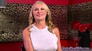 Experience and a cum hungry old pussy make a perfect GILF