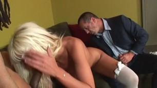 Newlywed couple enjoying some cuckold action