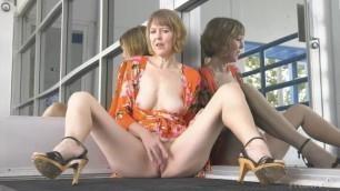 Horny Kinky GILF Jamie Foster