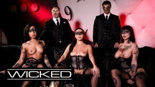 WICKED Honey Gold, Vicki Chase & Jessie Lee please Men in Kinky Sex Party