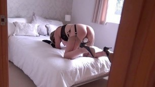 I caught my mature aunt masturbating with a vibrator in bed